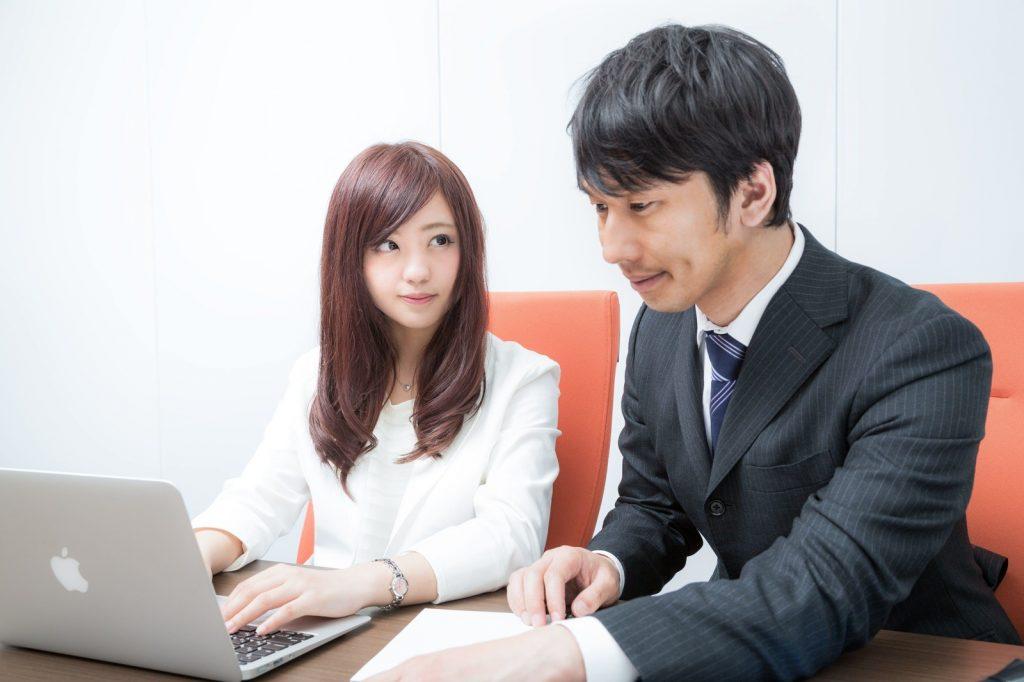 男性の多い職場で働く女